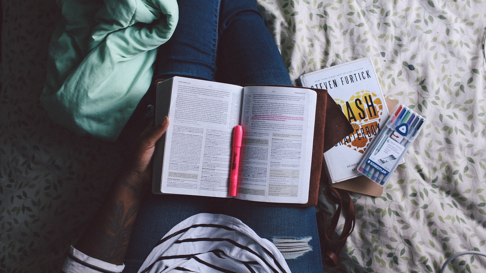 ¿Qué tipo de examen necesitas para trabajar o estudiar en el extranjero?